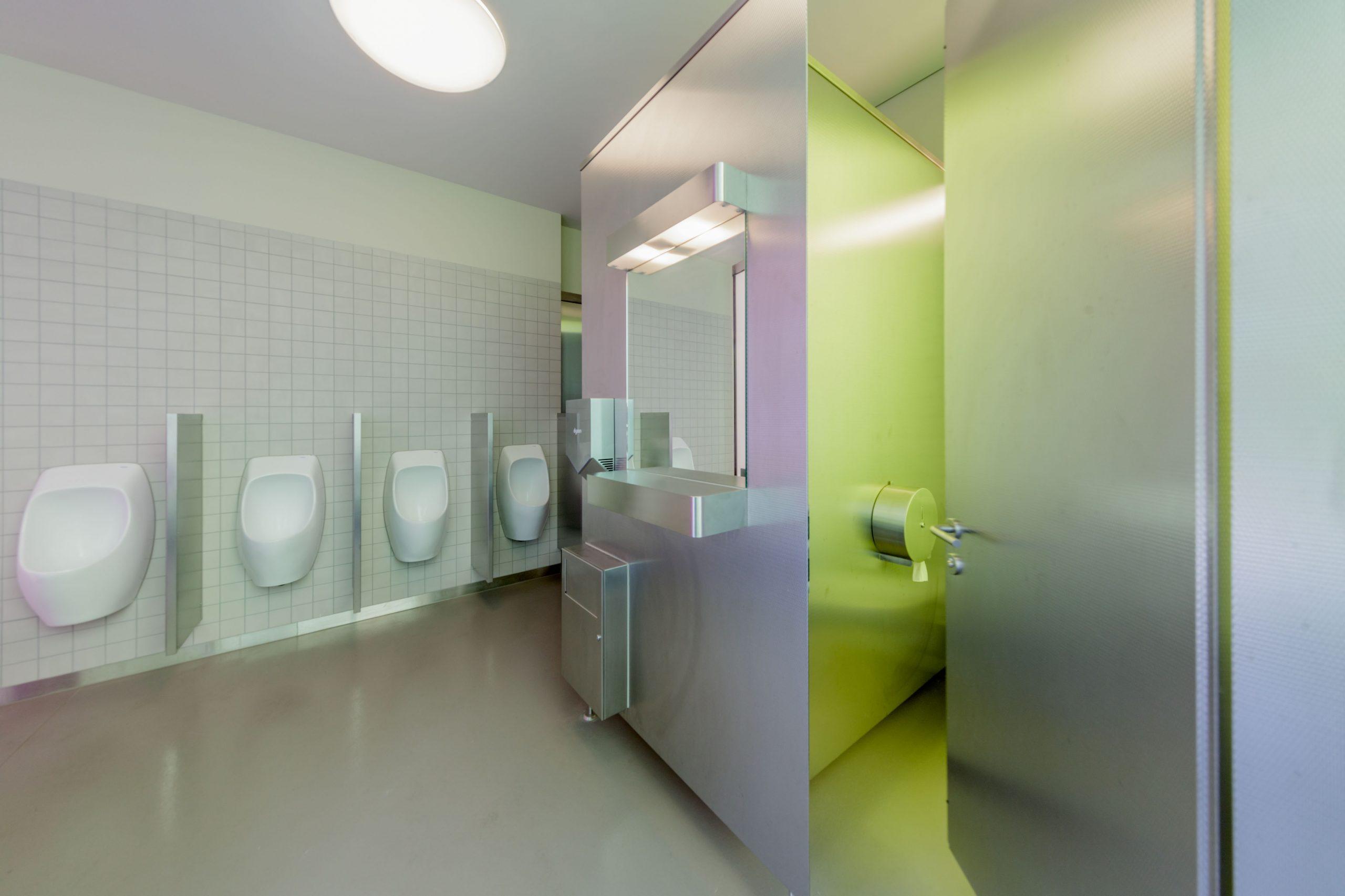 Trennwandsystem im Sanitärbereich